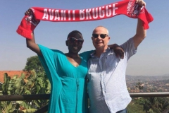 Avanti overal - ELVINO Guy Dresselaers vanuit Uganda